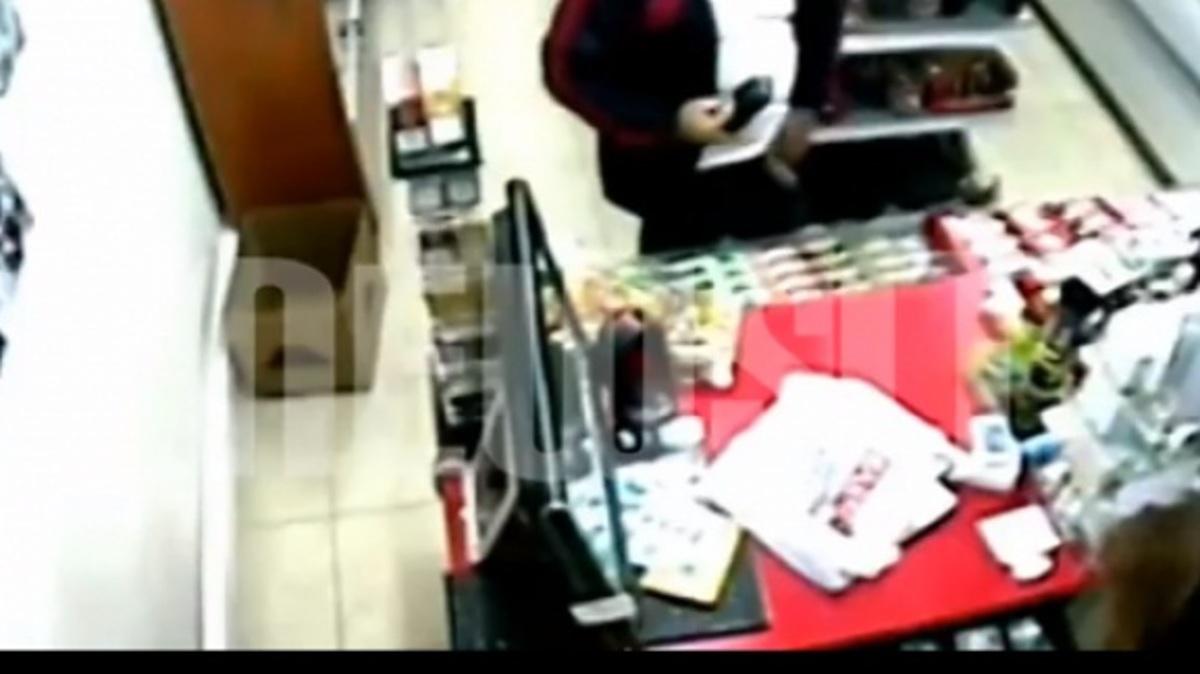Είδηση-σκάνδαλο: Ο επιδειξίας αστυνομικός που ντρόπιασε το σώμα επέστρεψε στα καθήκοντα του (ΒINTEO) | Newsit.gr