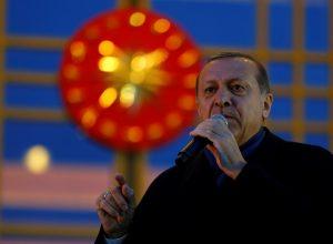 Γερμανικά κόμματα ζητούν «κόκκινη κάρτα» στον Ερντογάν μετά το δημοψήφισμα!