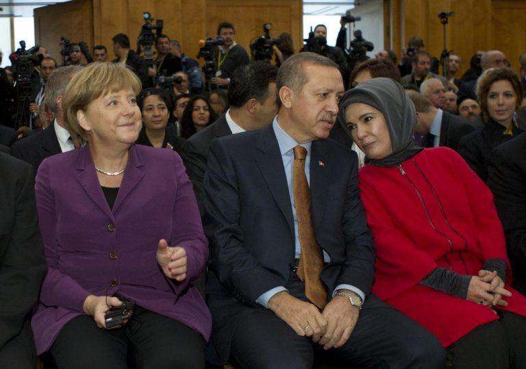 Ο Ερντογάν, η Μέρκελ και το παράπονο! | Newsit.gr