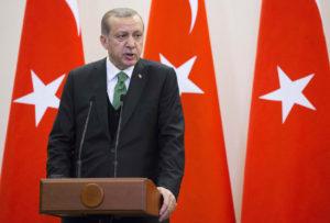 """Ο Ερντογάν απαντά στην μη έκδοση των """"8"""" με αποκλεισμό του Καστελόριζου"""