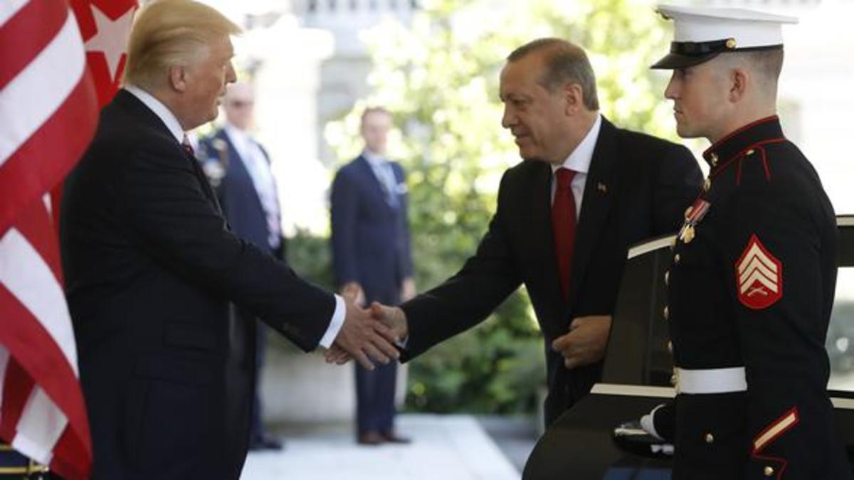 Οι ΗΠΑ απαντούν στα «πυρά» Ερντογάν και ζητούν τα ονόματα των Τούρκων αστυνομικών | Newsit.gr