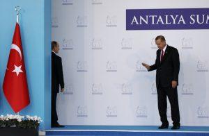 Απολογία Ερντογάν σε Πούτιν για την «ανατροπή» του Άσαντ