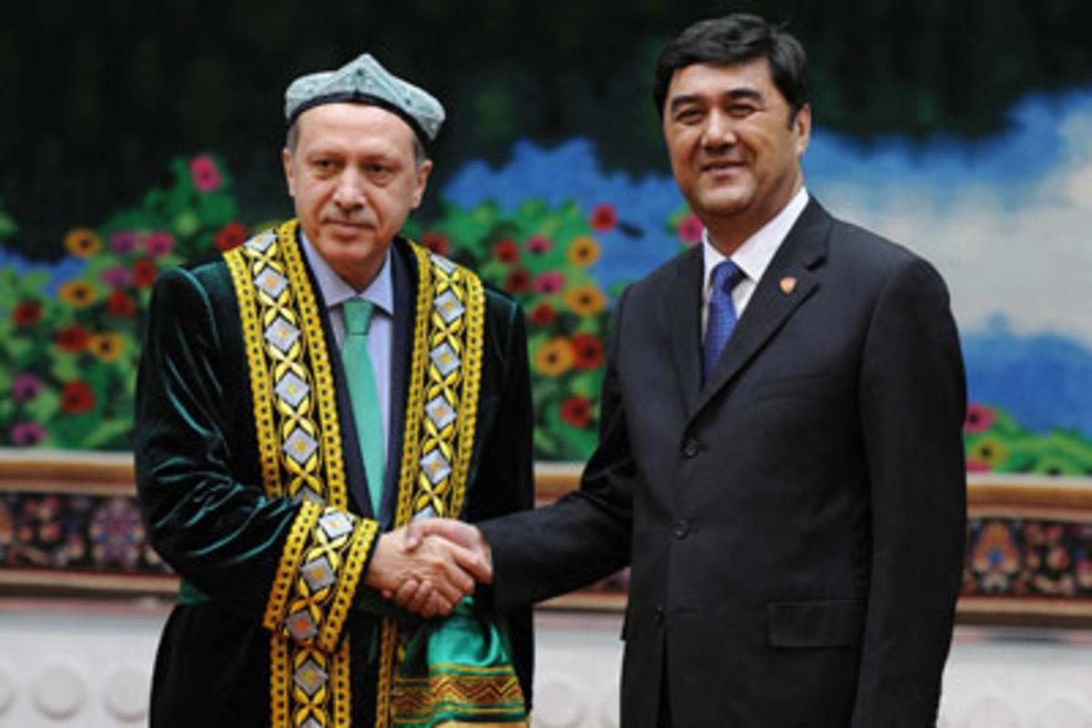 Oι μεταμφιέσεις του Ερντογάν – Ο Τούρκος πρωθυπουργός και οι στολές του   Newsit.gr