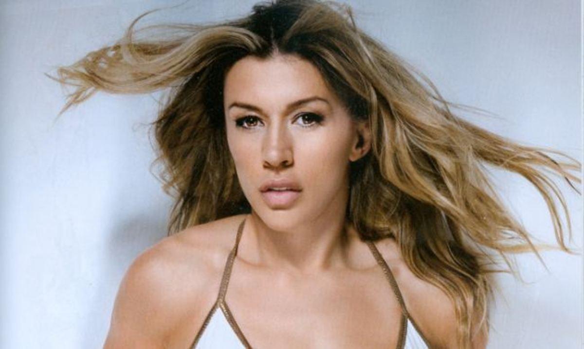 Στην κριτική επιτροπή του «Dancing II» η Ερρικα; | Newsit.gr