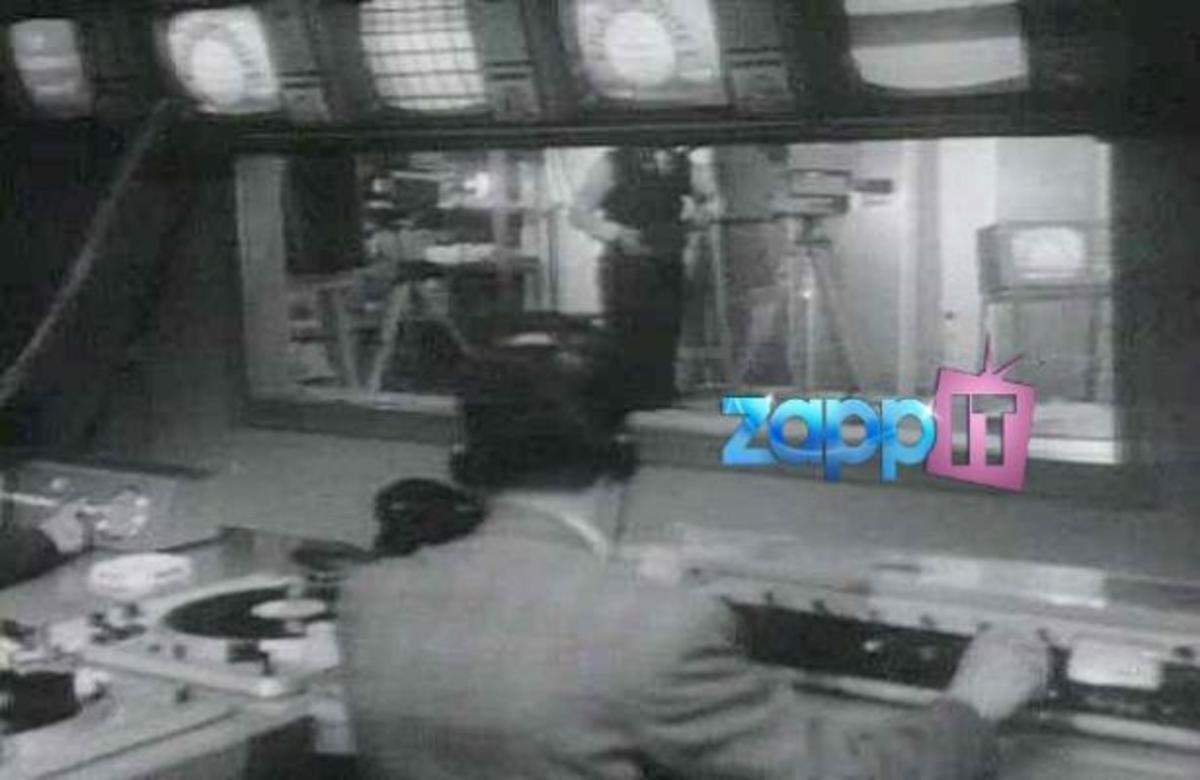 Η τηλεόραση στην Ελλάδα γιορτάζει τα 46α της γενέθλια! | Newsit.gr