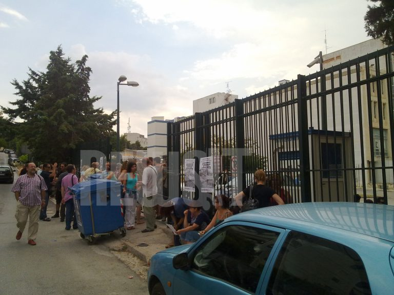 Εληξε η πολύωρη κατάληψη στην ΕΡΤ από τους συμβασιούχους – Bγήκε το δελτίο στις 20:00   Newsit.gr