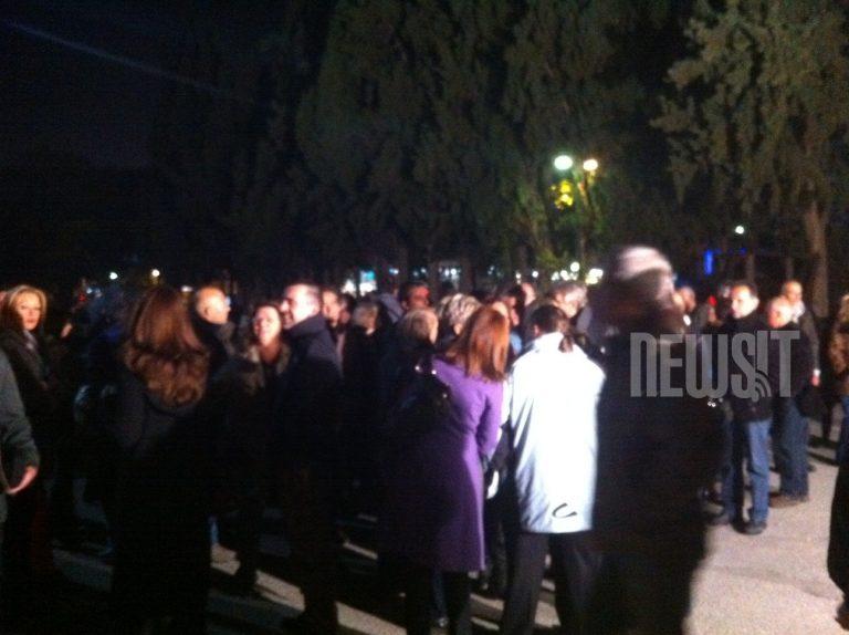 Διαμαρτυρία δημοσιογράφων στο προαύλιο της ΕΡΤ | Newsit.gr