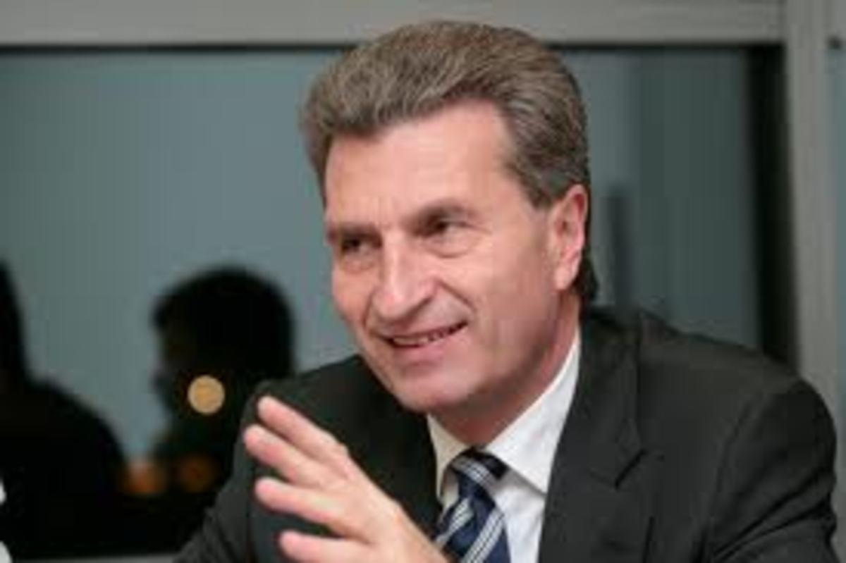 Γερμανός Επίτροπος: Κούρεμα του ελληνικού χρέους με τα πρώτα σημάδια ανάπτυξης! | Newsit.gr