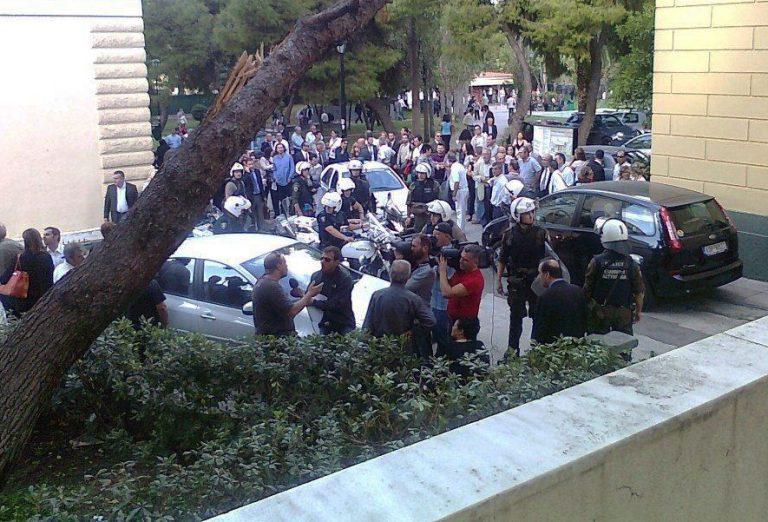 Δικαστές και εισαγγελείς ζητούν περισσότερα μέτρα ασφαλείας στην Ευελπίδων | Newsit.gr
