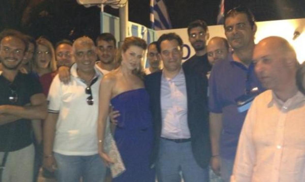 Ε. Μανωλίδου: Στηρίζει τον Άδωνη σε κάθε του βήμα! | Newsit.gr