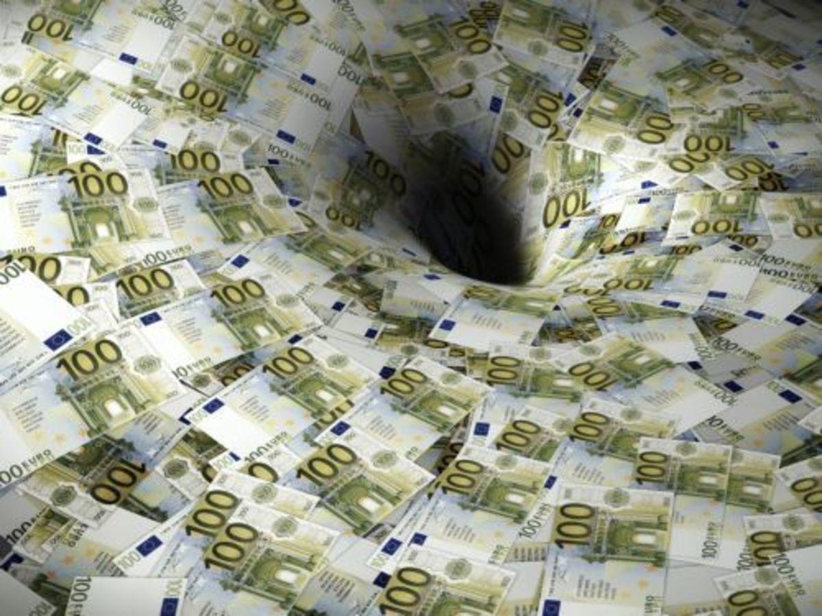Οι τράπεζες »υποδαυλίζουν» την αναδιάρθρωση για να θησαυρίσουν» | Newsit.gr