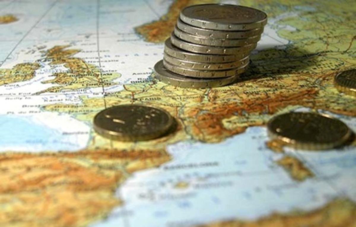 Αύξηση των μισθών των υπαλλήλων της ΕΕ προτείνει η Κομισιόν | Newsit.gr