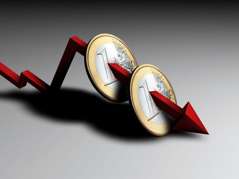 Καταρρέει σήμερα το ευρώ ! | Newsit.gr
