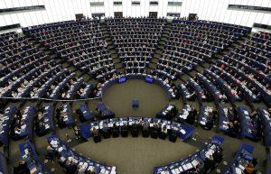 Μαζεύουν υπογραφές εναντίον του Πολωνού ευρωβουλευτή μετά την σεξιστική επίθεση