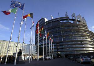 Κομισιόν κατά ΔΝΤ: Ανοιξη στην ελληνική οικονομία βλέπει στις χειμερινές της προβλέψεις!