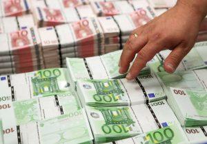 «Μποναμάς» 1,6 δις ευρώ από Παπαγγελόπουλο στην κυβέρνηση
