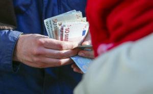 Eurostat: Δεν… λέει να πέσει η ανεργία στην Ελλάδα