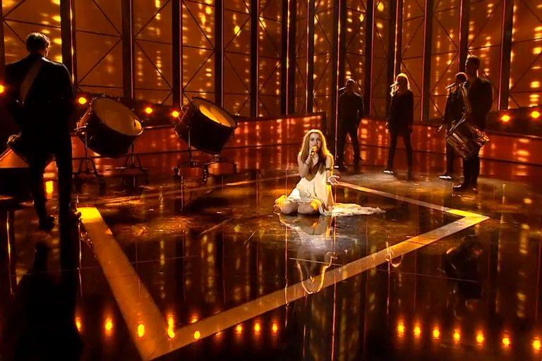 Γαλαζοαίματη το φετινό φαβορί της Eurovision   Newsit.gr