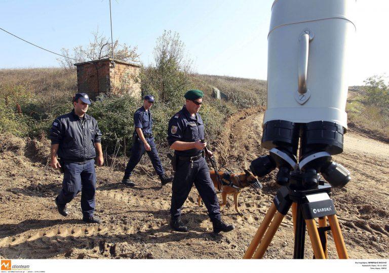 Σύλληψη διακινητών και παράνομων μεταναστών στον Έβρο | Newsit.gr