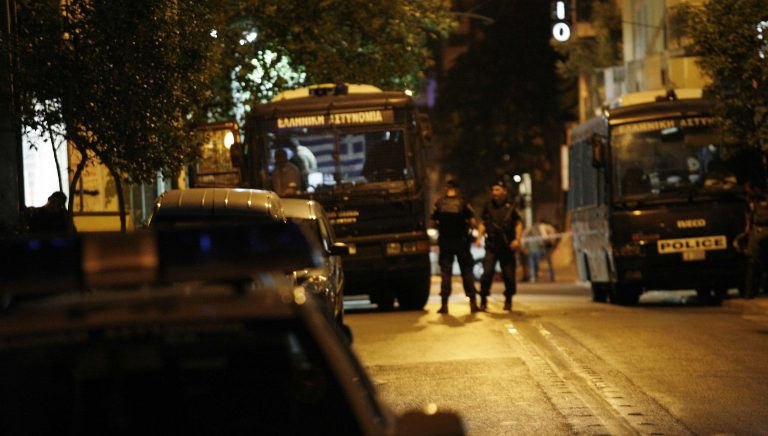 Μικροεπεισόδια στα Εξάρχεια | Newsit.gr