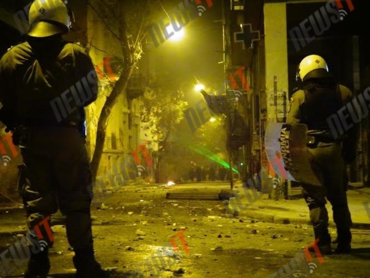 Αλέξης Γρηγορόπουλος: Όλο το χρονικό των επεισοδίων στις πορείες για την επέτειο της δολοφονίας του Αλέξανδρου Γρηγορόπουλου | Newsit.gr