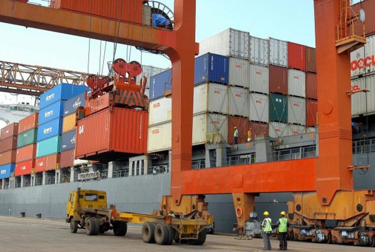 Πτώση των εξαγωγών το Μάιο | Newsit.gr