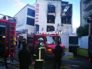 Φωτιά σε εμπορικό κέντρο στο Χαλάνδρι [pics]