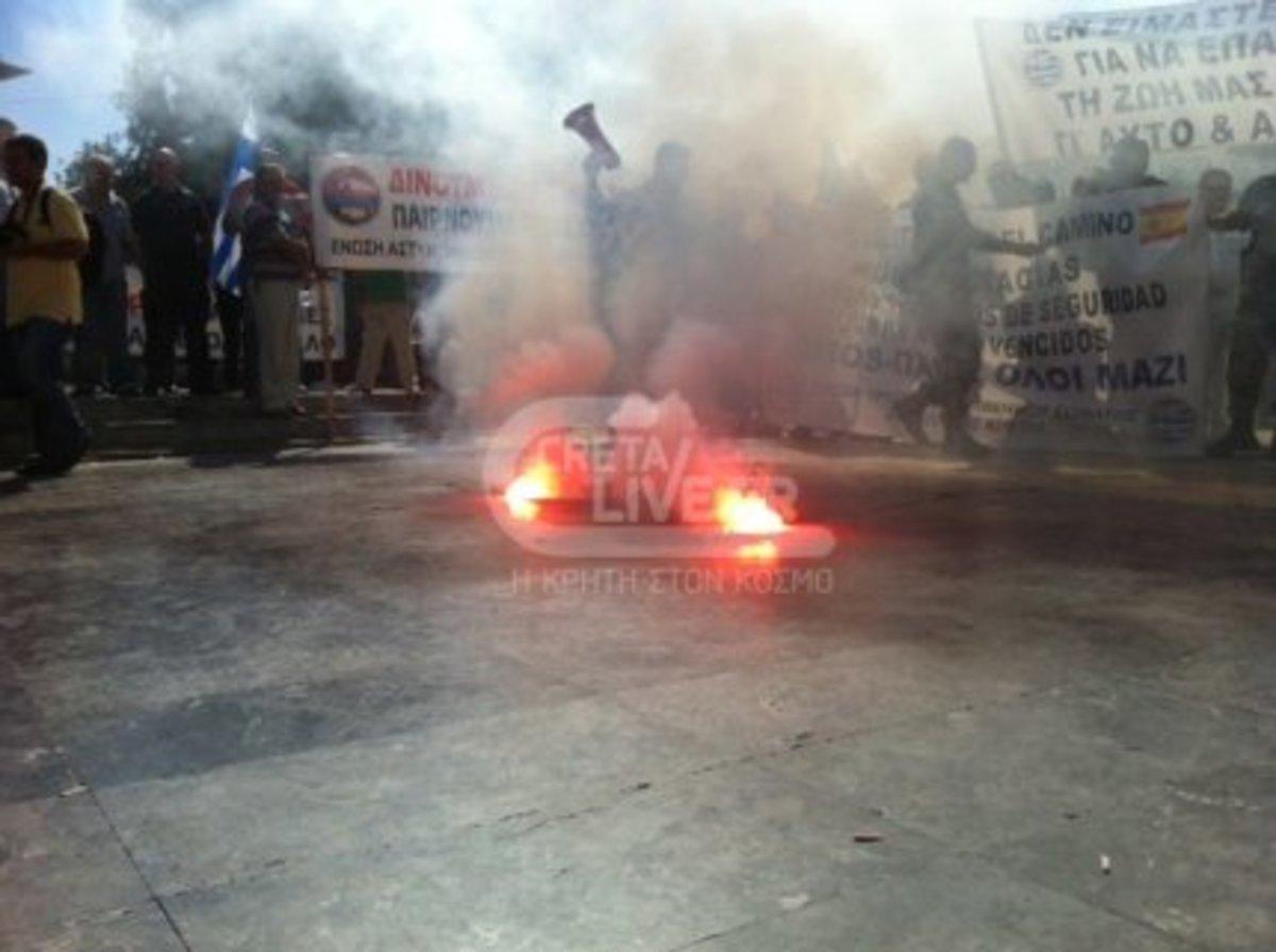 Ηράκλειο: Στους δρόμους με τις στολές τους!   Newsit.gr