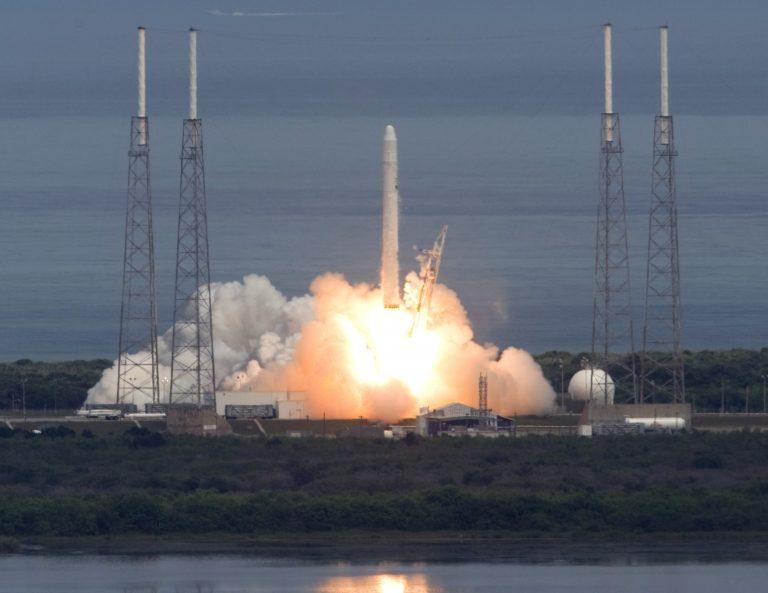 Επιτυχής η εκτόξευση του Falcon 9 | Newsit.gr