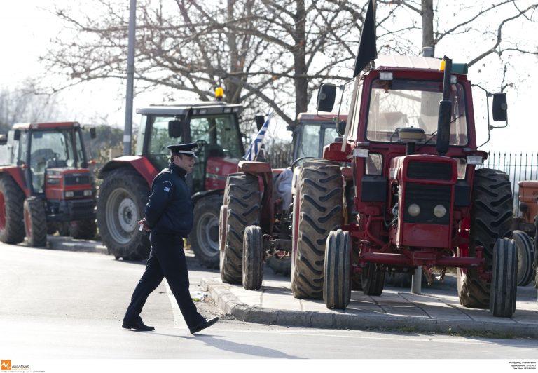 Συνάντηση αγροτών με το γραμματέα Αγροτικής Πολιτικής της ΝΔ   Newsit.gr