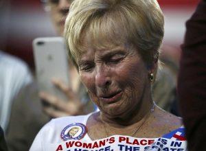 Αμερικανικές εκλογές: Κηδεία! Στα «τάρταρα» οι οπαδοί της Χίλαρι! [pics]