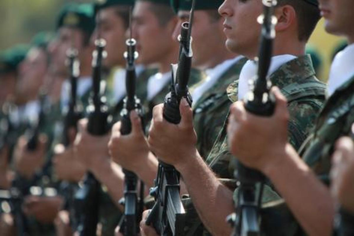 Αποσύρθηκε η τροπολογία για την επαναφορά του γένους στις στρατιωτικές σχολές   Newsit.gr