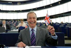 Βρετανία: Ο Νάιτζελ Φάρατζ δεν θα είναι υποψήφιος στις βουλευτικές εκλογές