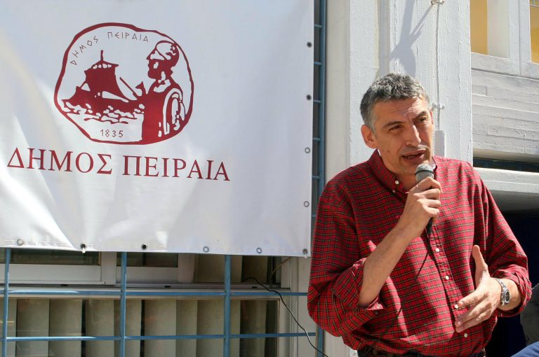 Έξαλλος ο Φασούλας από το άδειασμα του ΠΑΣΟΚ – Δεν του έδωσαν το χρίσμα   Newsit.gr