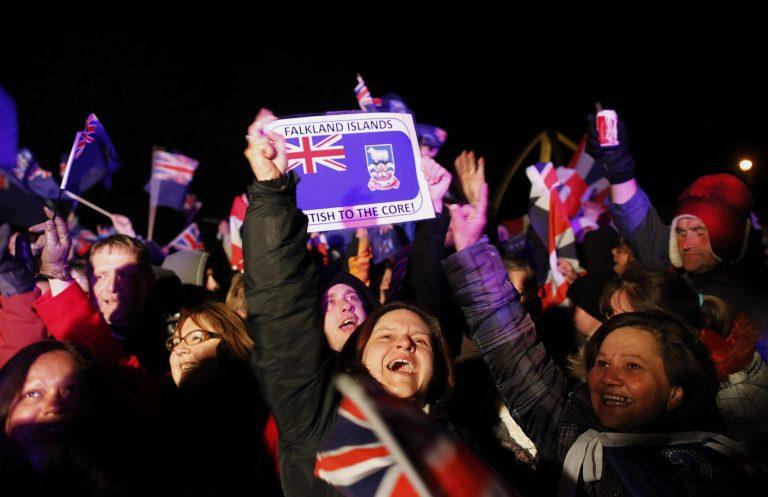 Τα Φόκλαντ «ψήφισαν» Βρετανία   Newsit.gr