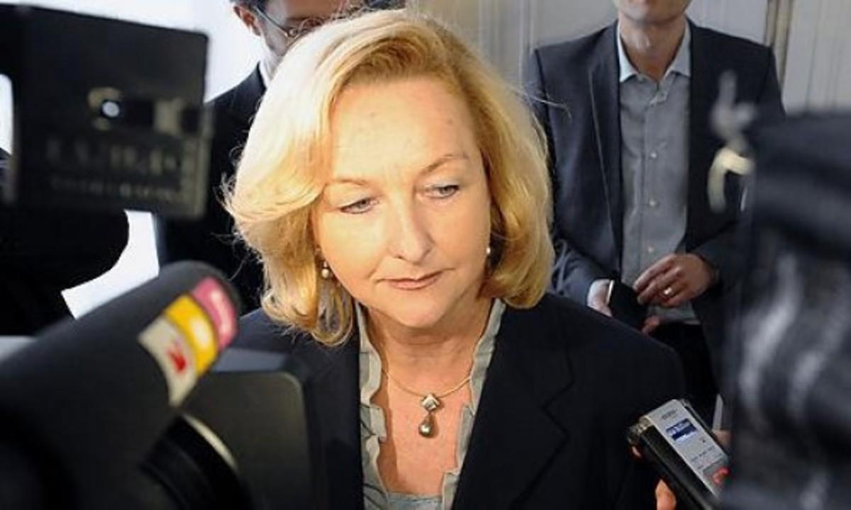 Ξαναχτύπησε η Φέκτερ: «Οι Έλληνες ήταν ξάπλα στην αιώρα και τώρα που έπεσαν πρέπει να σηκωθούν» | Newsit.gr