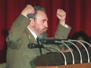 ΣΥΡΙΖΑ… πολυφωνικός! Χρυσόγονος: «Δικτάτορας ο Κάστρο»! Συρμαλένιος: «Μας εμπνέει» [vid]