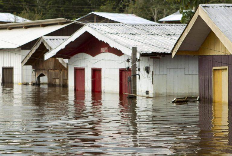 Νεπάλ: Νεκροί και αγνοούμενοι σε πλημμύρες | Newsit.gr