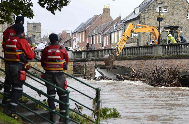 Φονικές πλημμύρες στη Βρετανία | Newsit.gr
