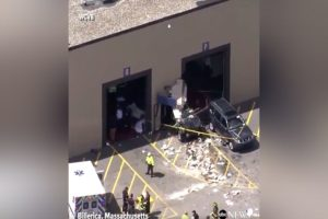 Βοστώνη: Φονική σύγκρουση! Όχημα παρέσυρε πεζούς, τρεις νεκροί! Συγκλονιστικές εικόνες
