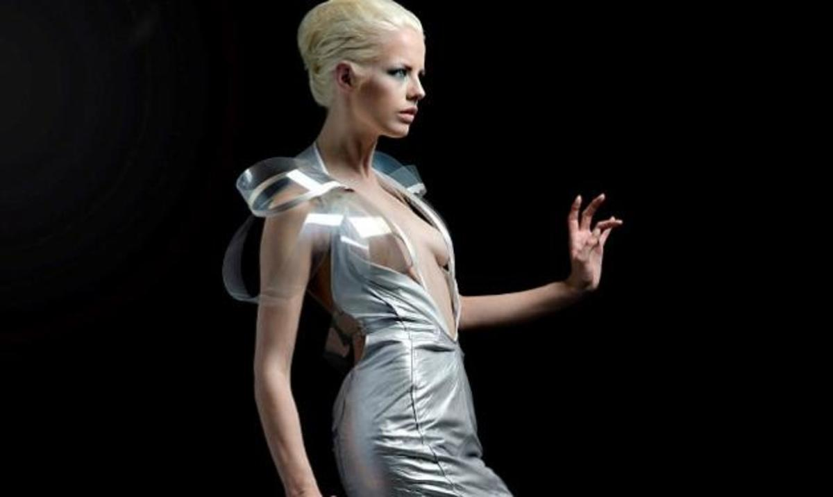 Το φόρεμα που γίνεται διάφανο όταν η γυναίκα διεγερθεί σεξουαλικά! Φωτογραφίες και βίντεο | Newsit.gr