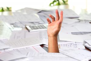 """""""Τρύπα"""" 653 εκατ. ευρώ στους φόρους εισοδήματος – """"Βουτιά στο κενό"""" για τους ελεύθερος επαγγελματίες"""