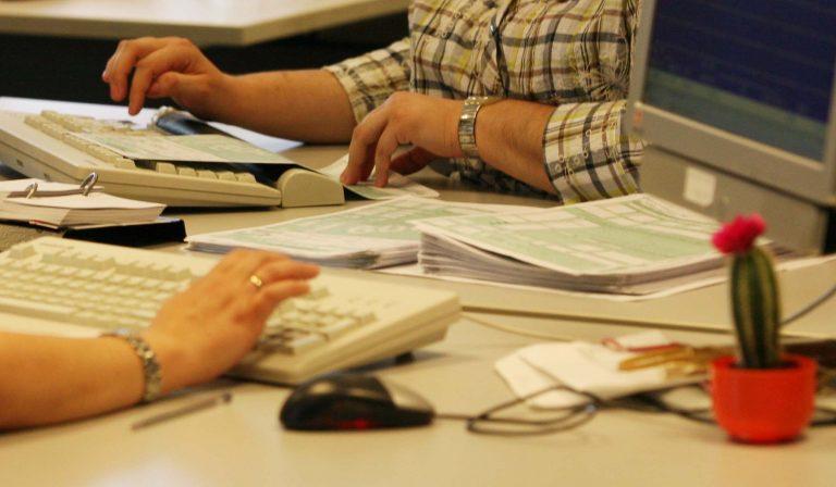 Παράταση για την υποβολή φορολογικών δηλώσεων εξετάζει το υπουργείο Οικονομικών   Newsit.gr