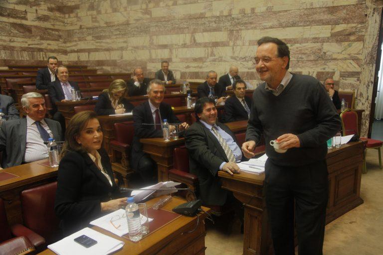 Υπερψηφίστηκε στην Επιτροπή της Βουλής το φορολογικό με αιχμές από Μπακογιάννη | Newsit.gr