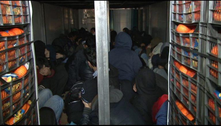 Έκρυβε 31 μετανάστες σε κλεμμενο φορτηγό!   Newsit.gr