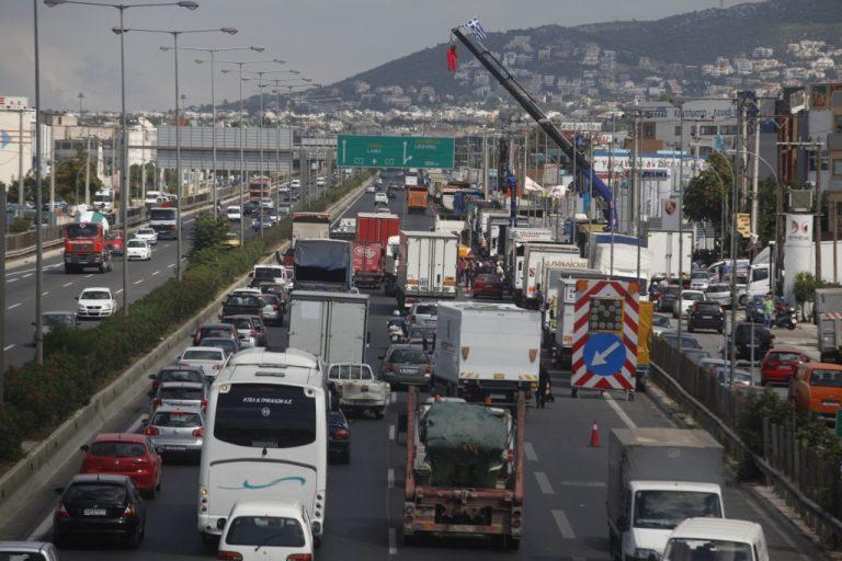 Η απεργία των φορτηγατζήδων έληξε.Τώρα; | Newsit.gr