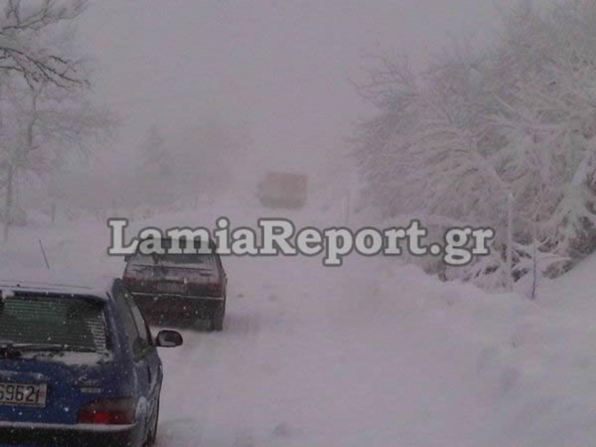 Στερεά Ελλάδα: Εγκλωβισμένοι οδηγοί στο δρόμο από Τυμφρηστό για Καρπενήσι   Newsit.gr