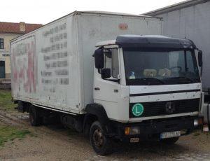 Έκρυψαν 39 πρόσφυγες μέσα σε κρύπτη φορτηγού! ΦΩΤΟ
