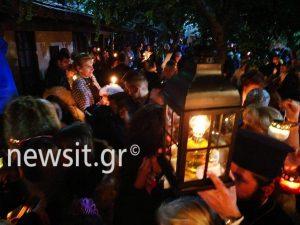Πάσχα 2017: Κλίμα κατάνυξης σε όλη την Ελλάδα – Στην Ακρόπολη το Άγιο Φως [pics]