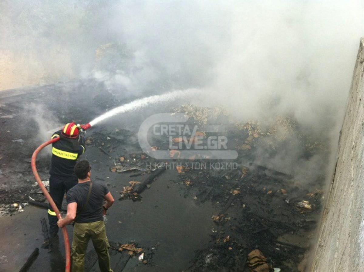 Kρήτη: Μεγάλη φωτιά σε σταθμό λεωφορείων – ΦΩΤΟ | Newsit.gr